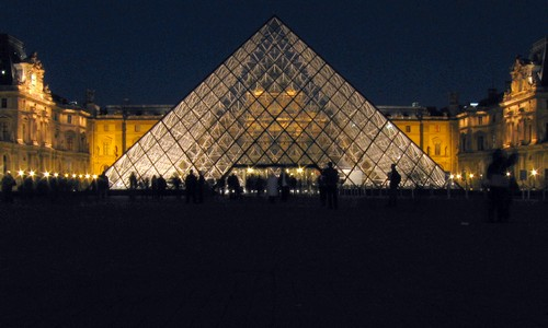 Here are some pictures of famous monuments in Paris:
