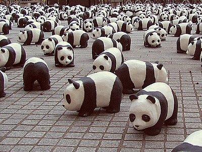 1600 pandas envahissent les villes en photo. Black Bedroom Furniture Sets. Home Design Ideas